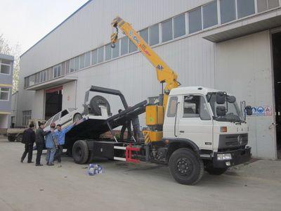 正面吊事故_试车正面  徐工5吨吊机可以处理侧翻到深沟里的事故车辆或者毁损严重