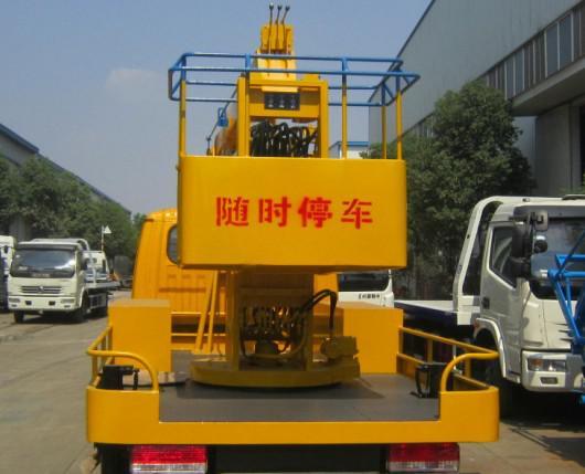 东风12米高空作业车尾部图片