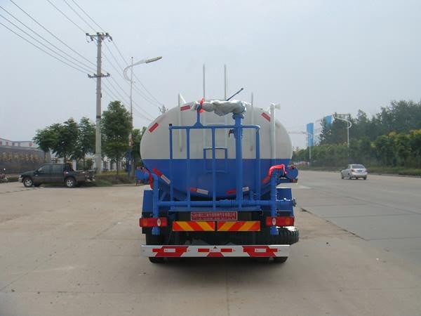 东风天锦绿化喷洒车尾部图片