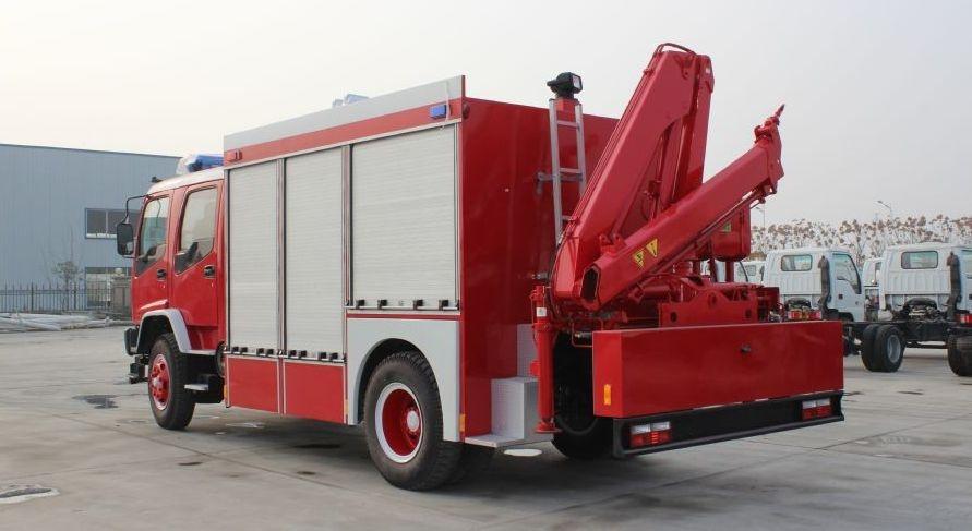 五十铃抢险救援消防车是我厂采用五十铃FVR34J2基础上改装而成,整车结构紧凑;专用部分由液罐、泵室、器材箱、动力输出及传动系统、管路系统、电气系统等组成,广泛适用于城镇公安消防队、石油化工、厂矿企业、森林、港口、码头等部门,可迅速接近火场展开灭火战斗,扑救各种火灾,是理想的消防装备。