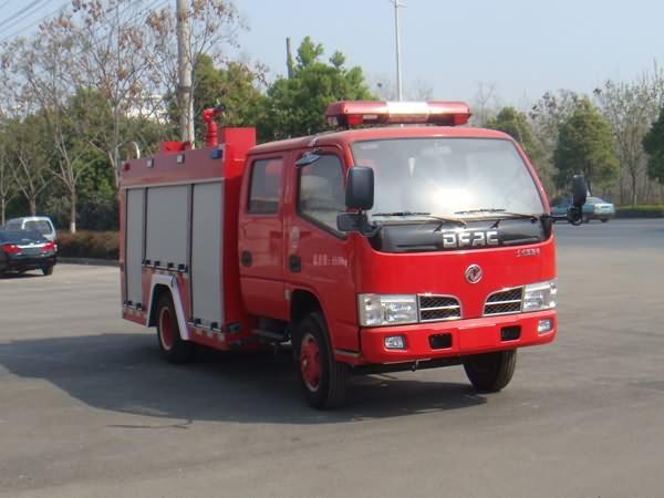 东风国五2吨水罐消防车图片