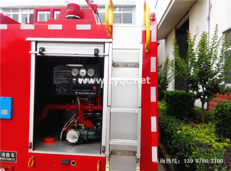 江铃国五2吨水罐消防车图片