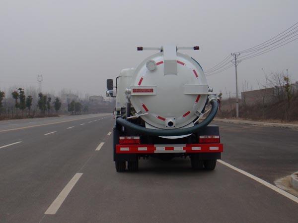 国五东风多利卡吸污车图片