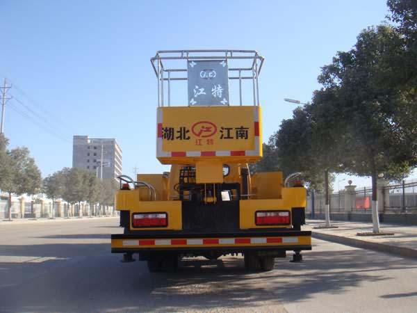 东风多利卡20米伸缩臂式高空作业车图片