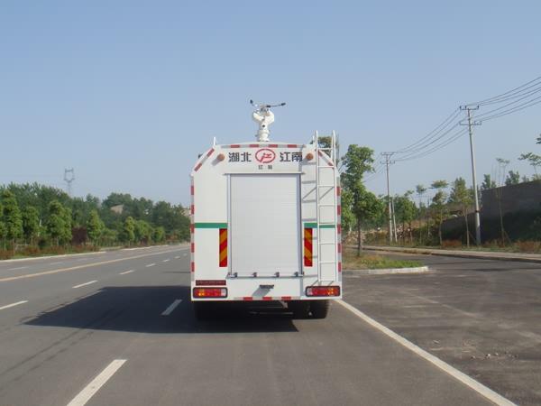 豪沃前四后八25吨供水消防车图片
