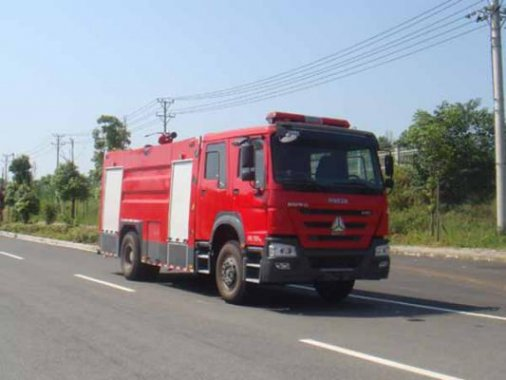 国五豪沃8吨水罐消防车