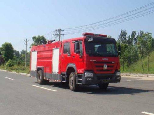 国五豪沃8吨泡沫消防车