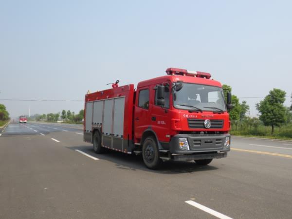 国五东风153水罐消防车