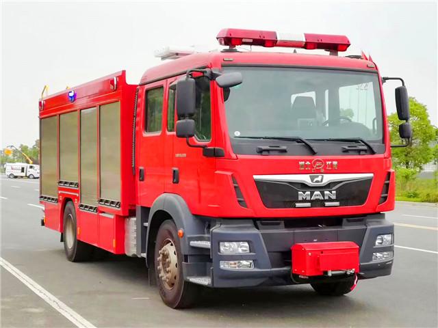 德国MAN压缩空气泡沫消防车
