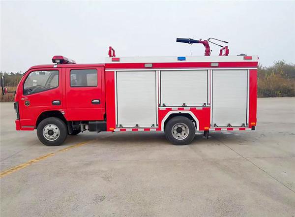 东风2.5吨水罐消防车图片