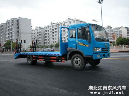 解放CA1168挖掘机拖车