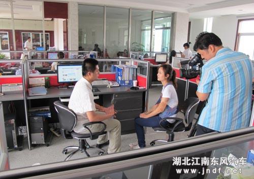 随州日报采访湖北江南汽车有限公司