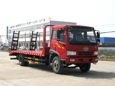 一汽解放CA1163低平板运输车/挖掘机拖车