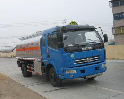 东风多利卡15方加油车
